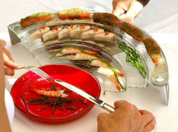 food presentation, customized staircase, sushi glass plate, shrimp presentation, Asian dining, myglass