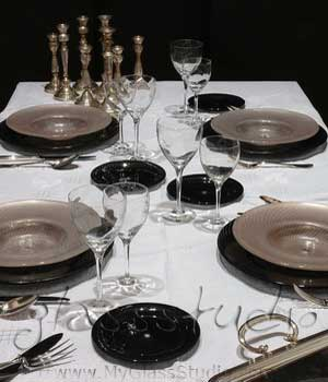 """black charger plates"", ""black show plates"", ""black charger dishes"", ""glass charger plates"""