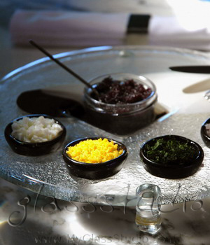 """caviar set"", ""glass caviar set"", ""caviar serving set"", ""caviar service"", ""serve caviar"", ""how to serve caviar"""