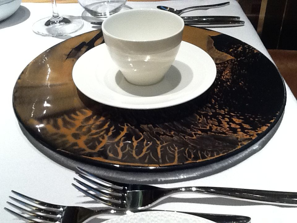 "black and gold dinnerware, ""dinnerware designs"", ""gold dinnerware design"", ""gold tableware designs"", ""designer dinnerware"","
