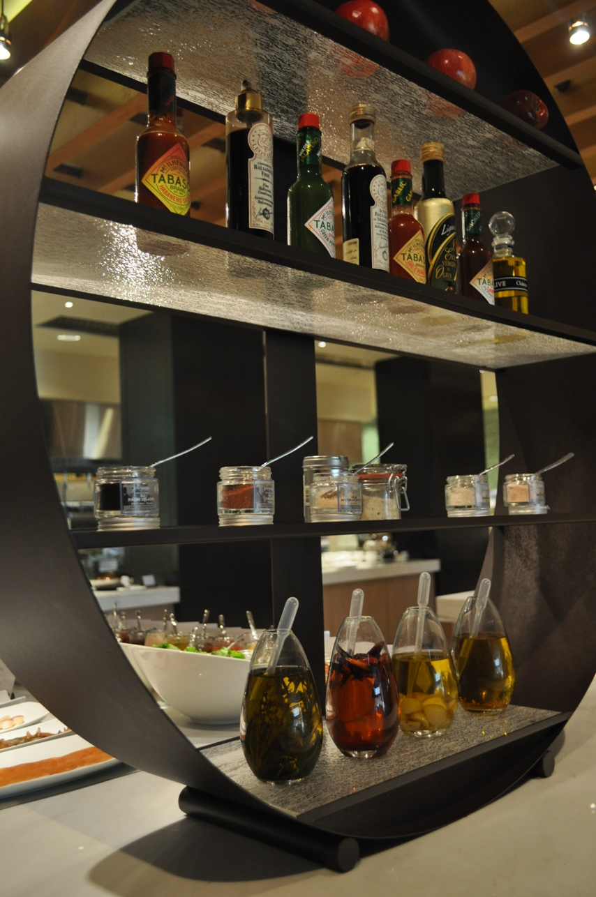"""tier stand"", ""4 tier stand"", ""buffet stand"", ""condiment stand"", ""Glass Studio"", ""Westin Abu Dhabi"", ""Fairways"""