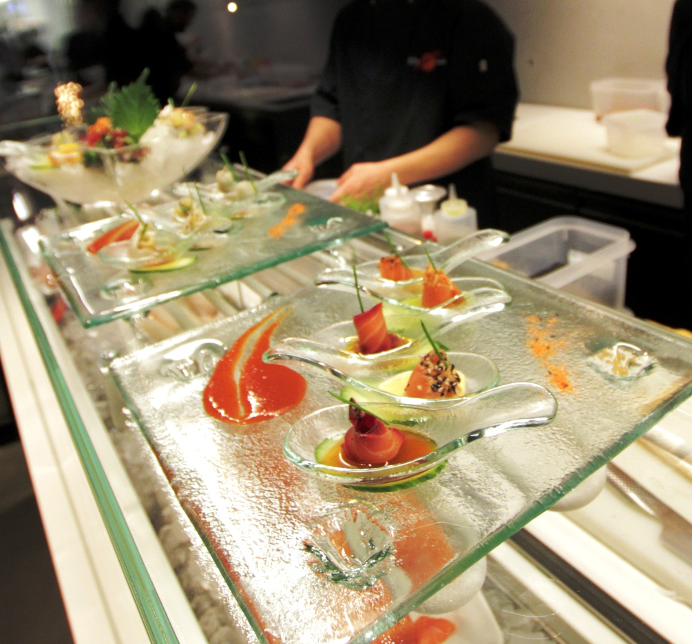 """appetizer plates"", ""appetizer dishes"", ""hors d'oeuvres"", ""glass plates"", ""glass dishes"", ""Glass Studio"", ""Lillie Asia"""