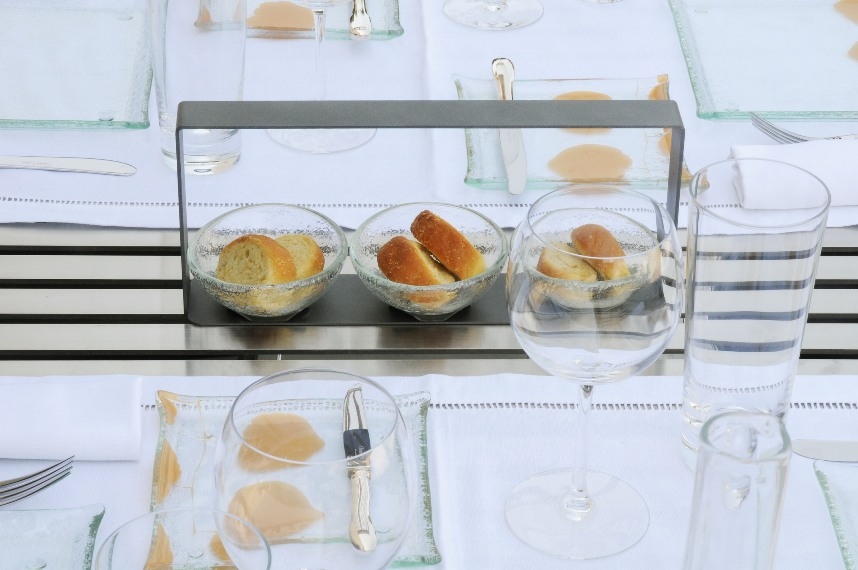 """bread basket"", ""breadbasket"", ""bread holder"", ""bread server"", ""bread set"", ""phyllody collection', ""glass studio"""