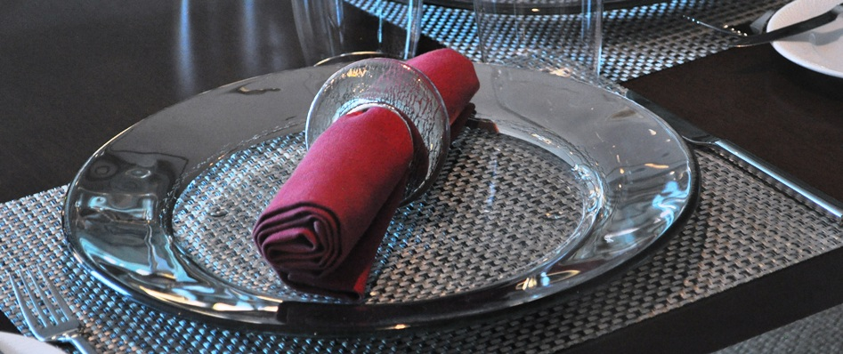"""napkin ring"", ""napkin holder"", ""glass napkin ring"", ""restaurant dinnerware"", ""table accessories"", ""Glass Studio"", ""La Sahtaine"", ""Hilton Doha"""